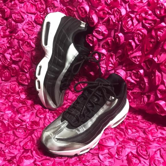 Zapatos Se Nike Air Max 95 Se Zapatos Corriendo Poshmark 951db0